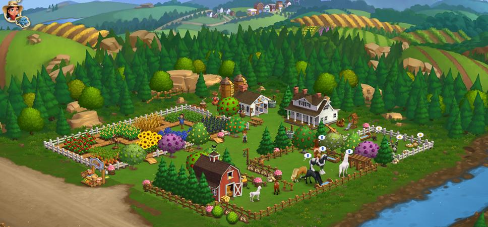 Eine Farm mit Feldern und Pferden vor einem Wald, inmitten einer hügeligen Landschaft.
