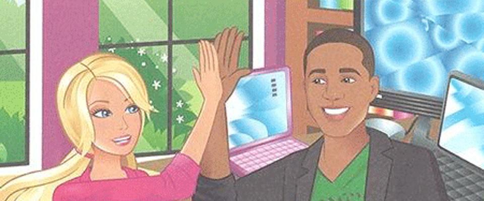 Eine blonde, weiße Frau und ein schwarzer Mann mit kurzen Haaren geben sich vor 2 Laptops High Fives.